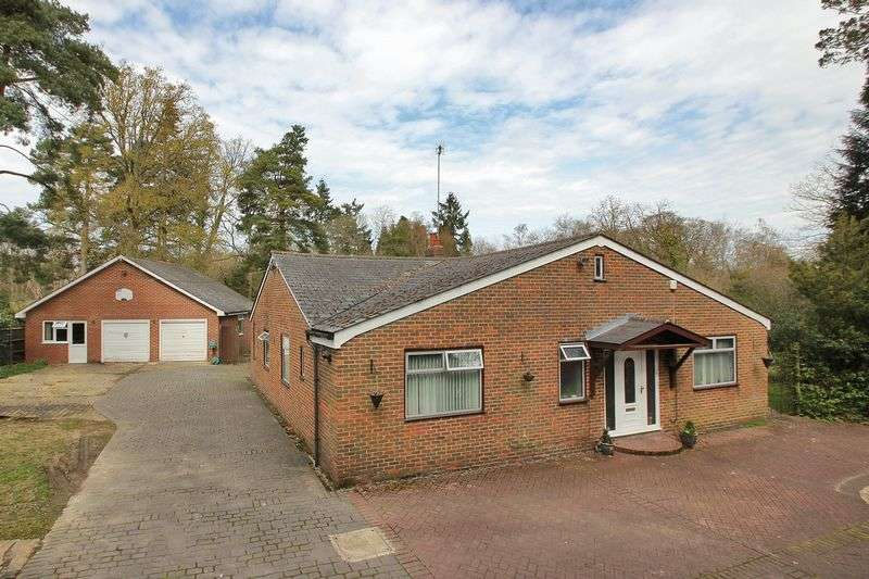5 Bedrooms Detached Bungalow for sale in Copthorne Road, Copthorne, West Sussex