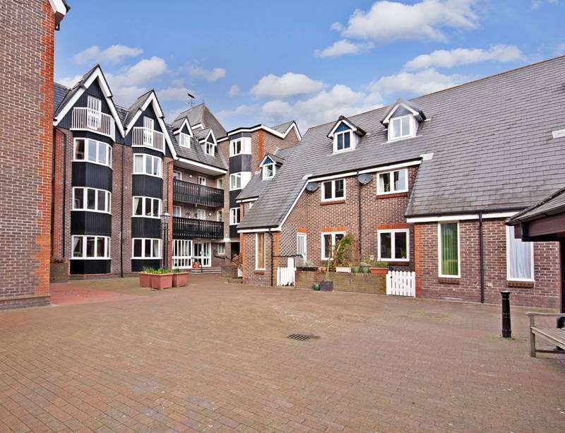 1 Bedroom Retirement Property for sale in St Thomas' Court, Lewes, BN7 2AW