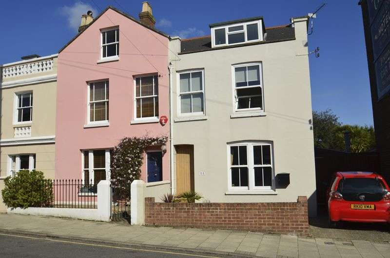 3 Bedrooms Mews House for sale in Station Street, Lymington