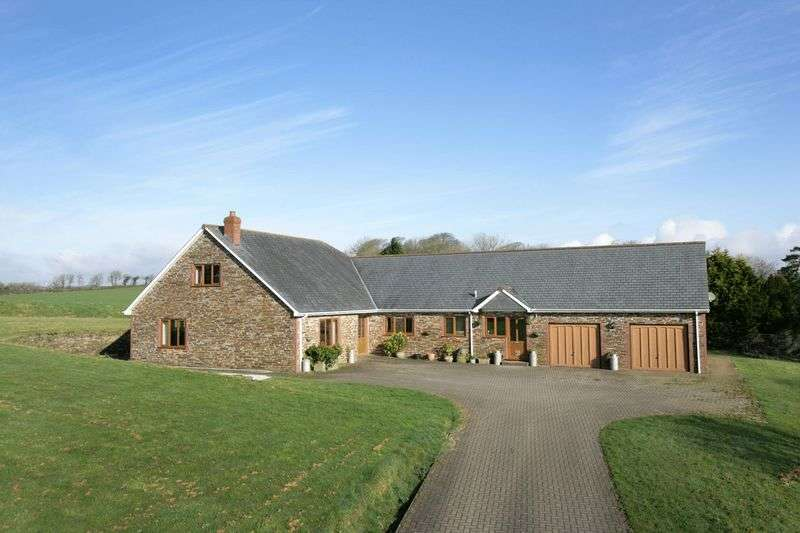 4 Bedrooms Detached House for sale in Tremaine, Launceston