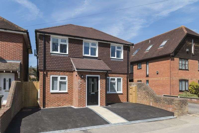 3 Bedrooms Detached House for sale in Shipbourne Road, Tonbridge