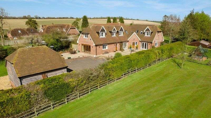 6 Bedrooms Detached House for sale in Cutting Hill, Hungerford
