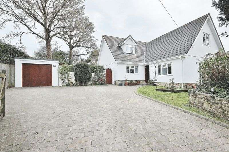 4 Bedrooms Detached House for sale in Forest Way, Christchurch