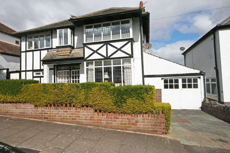 4 Bedrooms Detached House for sale in Highcross Avenue, Poulton-Le-Fylde