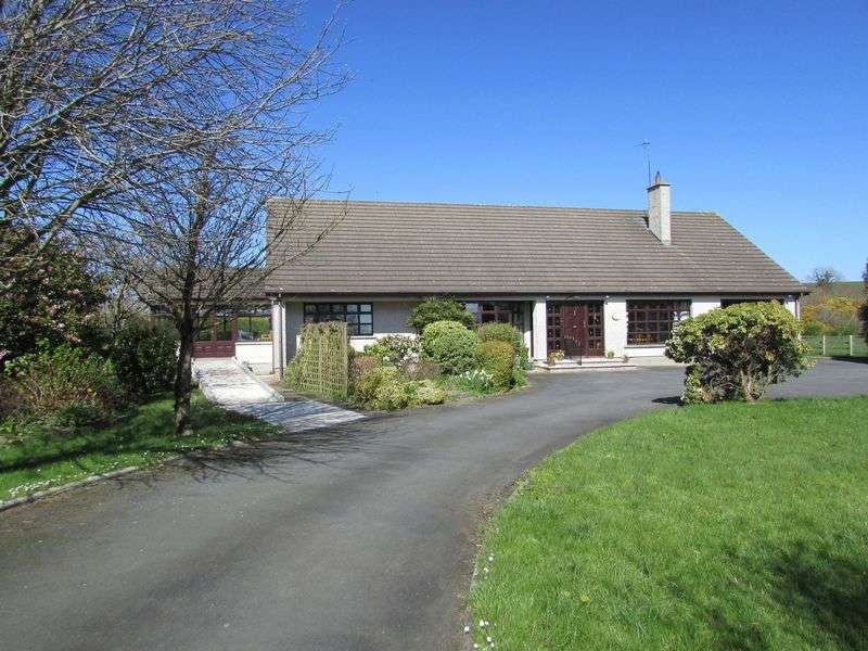 4 Bedrooms Detached Bungalow for sale in Detached Rural Bungalow