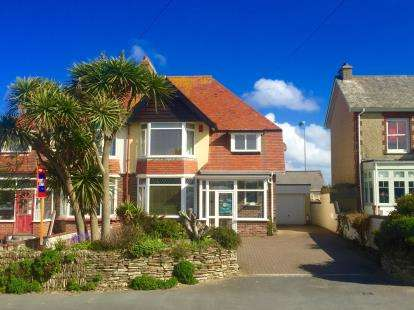 5 Bedrooms Semi Detached House for sale in Newquay, Cornwall
