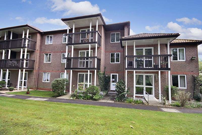 1 Bedroom Retirement Property for sale in St Marys Mews, Ferndown, BH22 8HF