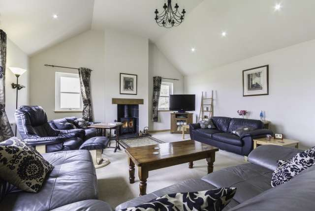4 Bedrooms Bungalow for sale in , Near Montrose, Angus, DD9 6UJ