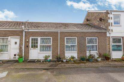 2 Bedrooms Bungalow for sale in Vellanhoggan, Gulval, Penzance