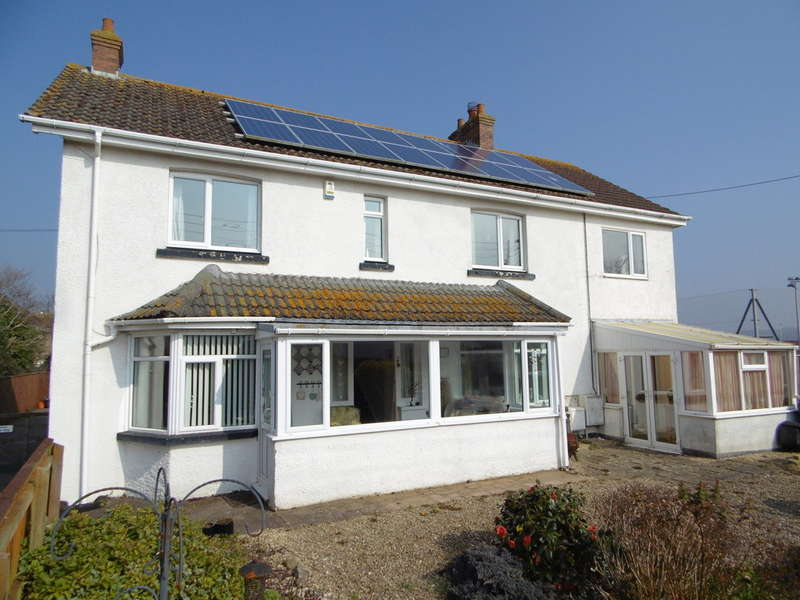 5 Bedrooms Detached House for sale in Court Lane, Seaton