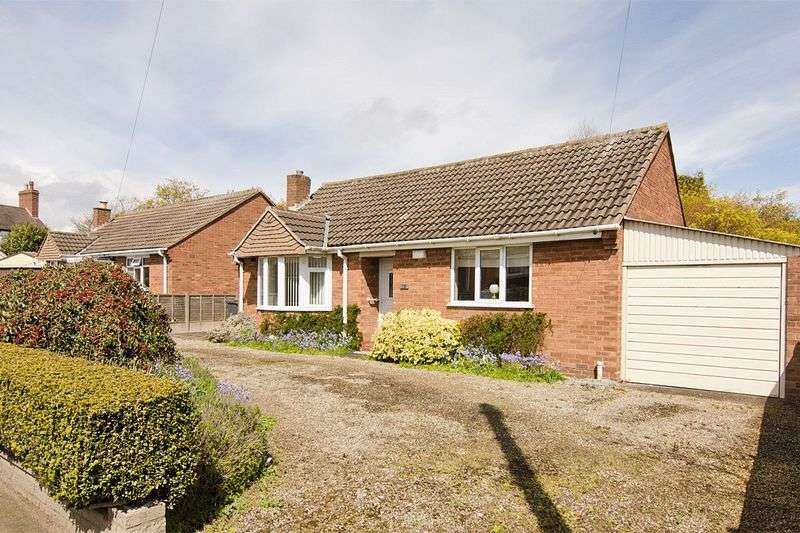 2 Bedrooms Detached Bungalow for sale in Lichfield Road, Burntwood