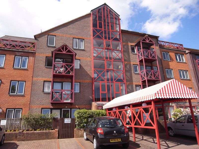 2 Bedrooms Retirement Property for sale in Town Centre