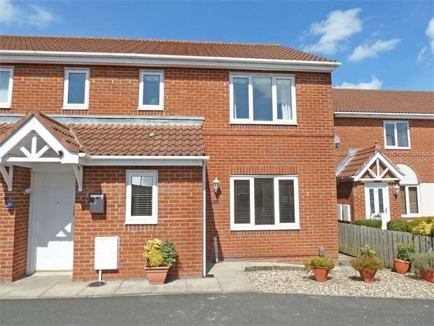 2 Bedrooms Flat for sale in Ambrose Court, Blaydon-on-Tyne, Tyne and Wear