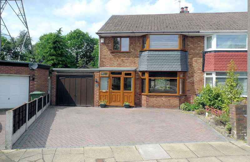 3 Bedrooms Semi Detached House for sale in Warwick Avenue, Whitefield