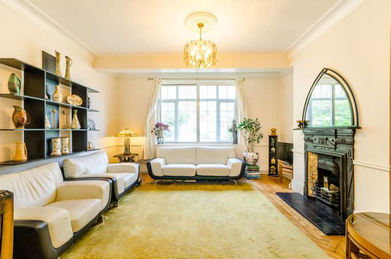 3 Bedrooms Flat for sale in Muswell Hill Road, Highgate, N6