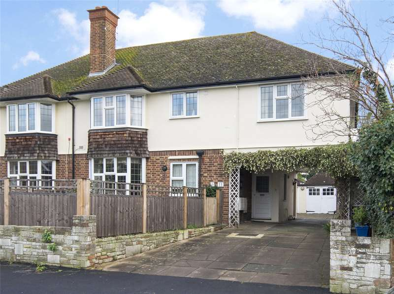 3 Bedrooms Flat for sale in Gordon Road, Claygate, Esher, Surrey, KT10