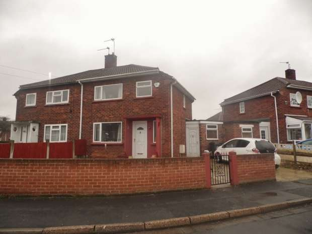 2 Bedrooms Semi Detached House for sale in ROSEDALE ROAD DONCASTER BENTLEY