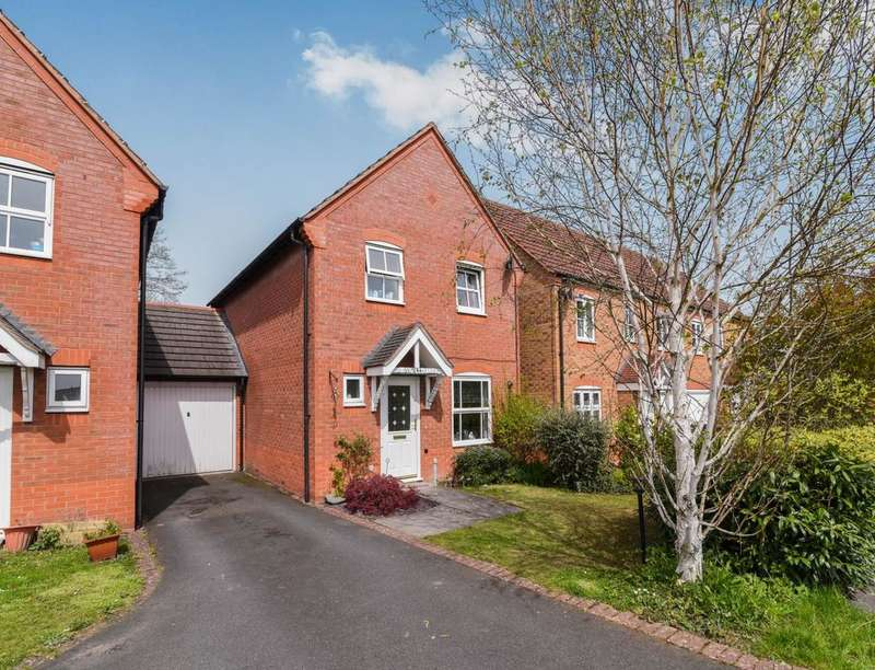 3 Bedrooms Semi Detached House for sale in Salters Lane, Redditch, B97