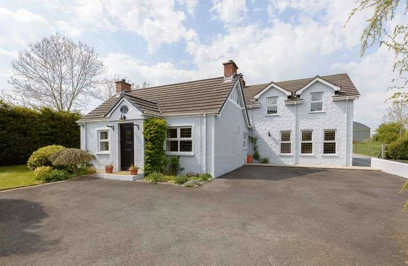 3 Bedrooms Detached House for sale in 36 Saintfield Road, Ballynahinch, BT24 8UZ