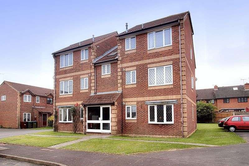 1 Bedroom Flat for sale in Satinwood Close, Middleton On Sea, Bognor Regis, PO22