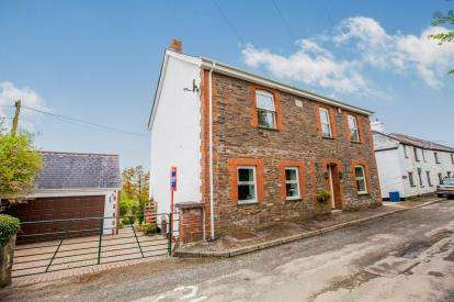 4 Bedrooms Detached House for sale in Liskeard, Cornwall, United Kingdom