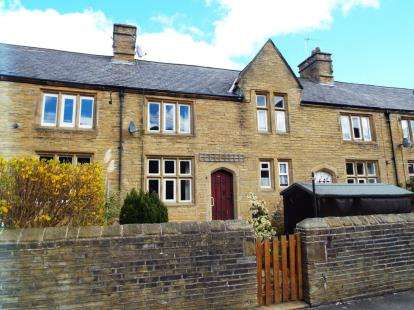 House for sale in Calder Terrace, Halifax, West Yorkshire
