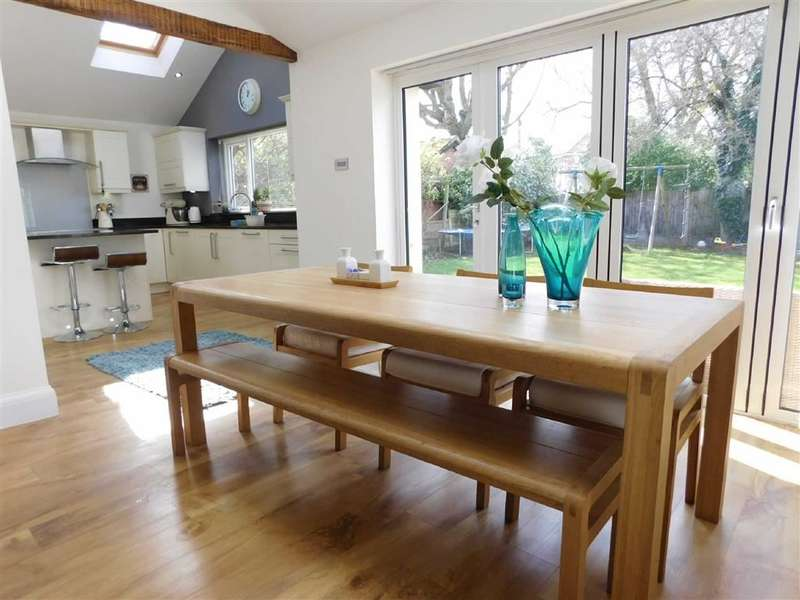 3 Bedrooms Property for sale in Ley Hey Road, Marple, Stockport