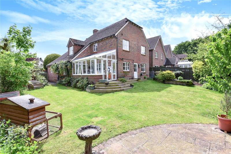 5 Bedrooms House for sale in Amberley Close, Storrington