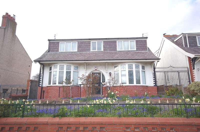 3 Bedrooms Detached Bungalow for sale in Warley Road, Blackpool