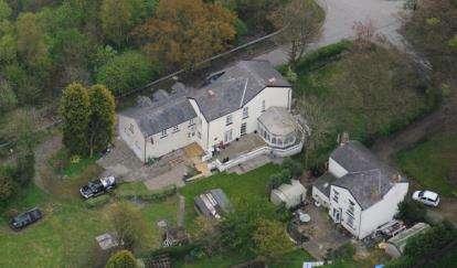 5 Bedrooms Detached House for sale in Back Lane, Ashton-under-Lyne, Greater Manchester