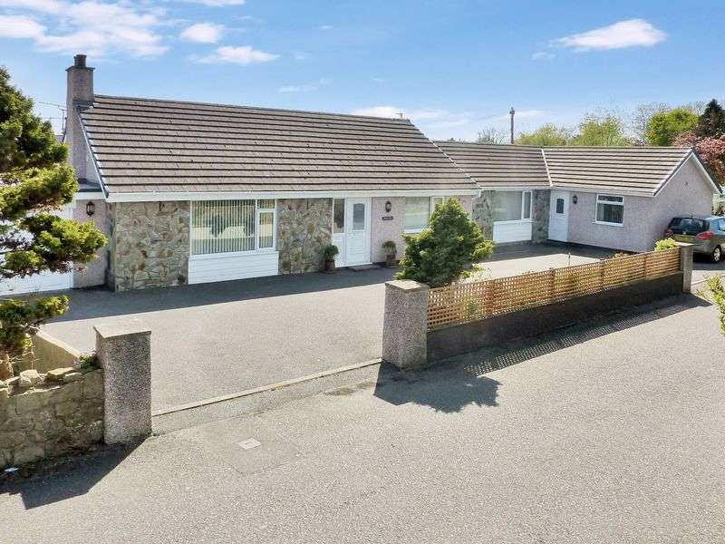 5 Bedrooms Detached Bungalow for sale in Talwrn, Llangefni, Isle of Anglesey.