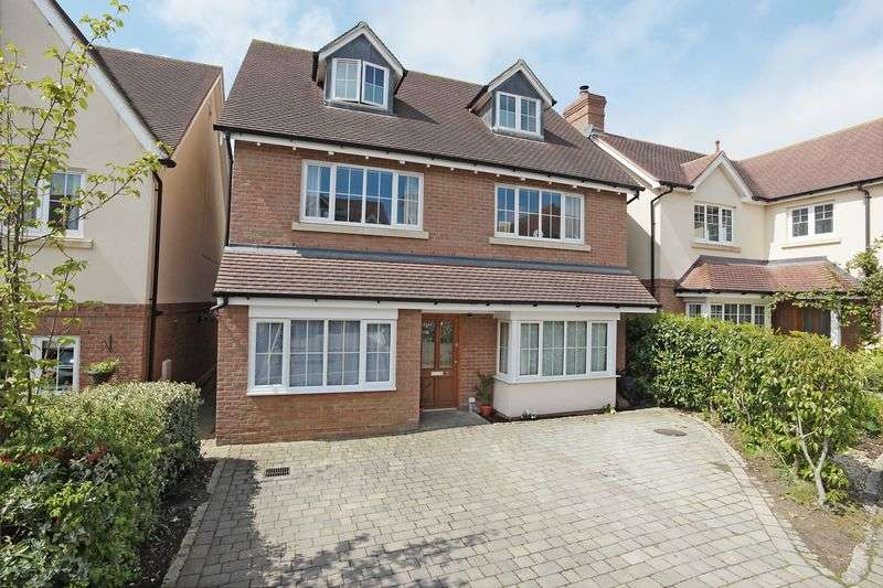 5 Bedrooms Detached House for sale in Coombe Edge, Crowborough, East Sussex
