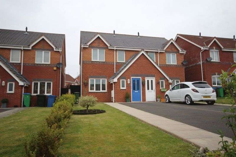 3 Bedrooms Semi Detached House for sale in Ravensglass Drive, Middleton, Manchester M24 5SX