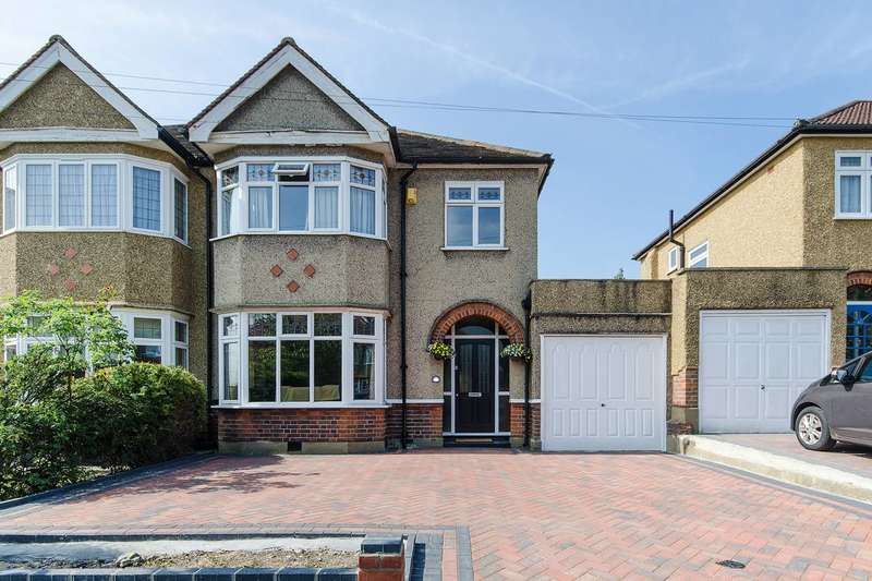 4 Bedrooms Semi Detached House for sale in Mount Drive, North Harrow, HA2