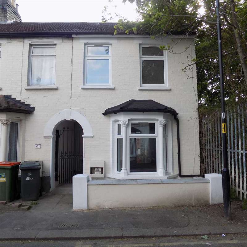 4 Bedrooms End Of Terrace House for sale in Gloucester Road, Manor Park, london