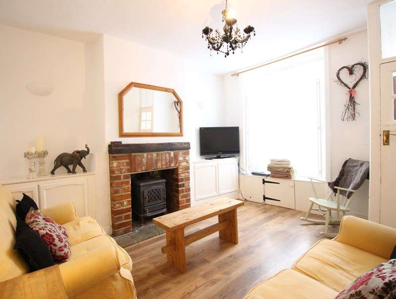 3 Bedrooms Terraced House for sale in St Sepulchre Street, Scarborough, YO11 1QF