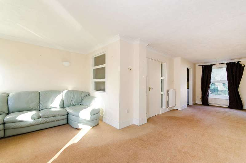 3 Bedrooms Terraced House for sale in Chester Road, Northwood, HA6