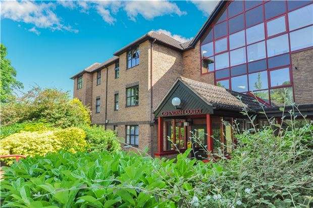 2 Bedrooms Flat for sale in Holmwood Gardens, WALLINGTON, Surrey, SM6 0HN