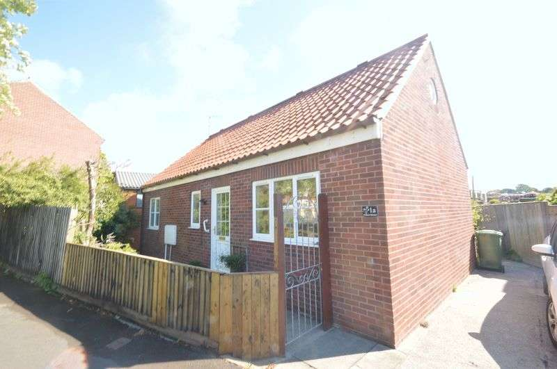 2 Bedrooms Detached Bungalow for sale in Larpool Lane, Whitby