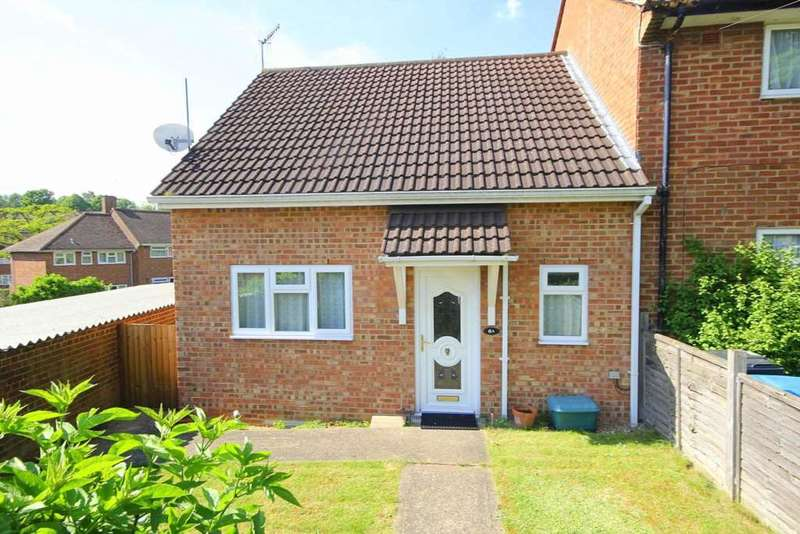 2 Bedrooms Bungalow for sale in BUNGALOW in Lower Sales, Boxmoor