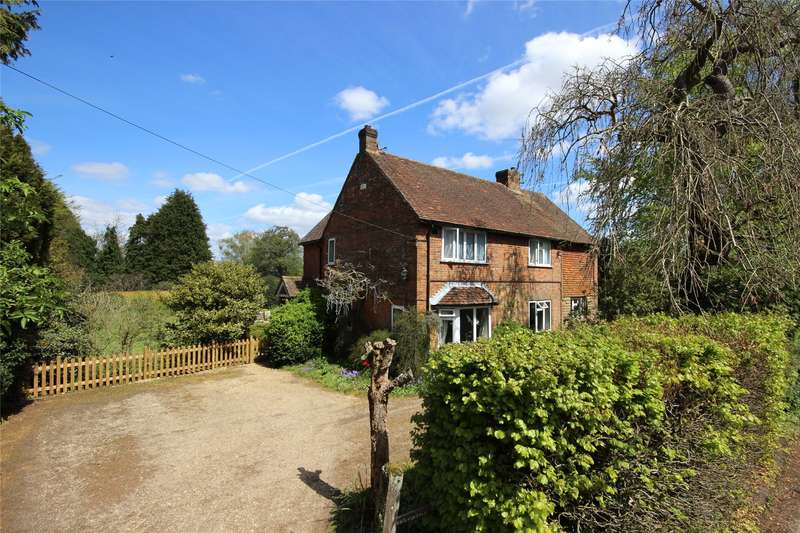 3 Bedrooms Detached House for sale in The Street, Upper Farringdon, Alton, Hampshire, GU34