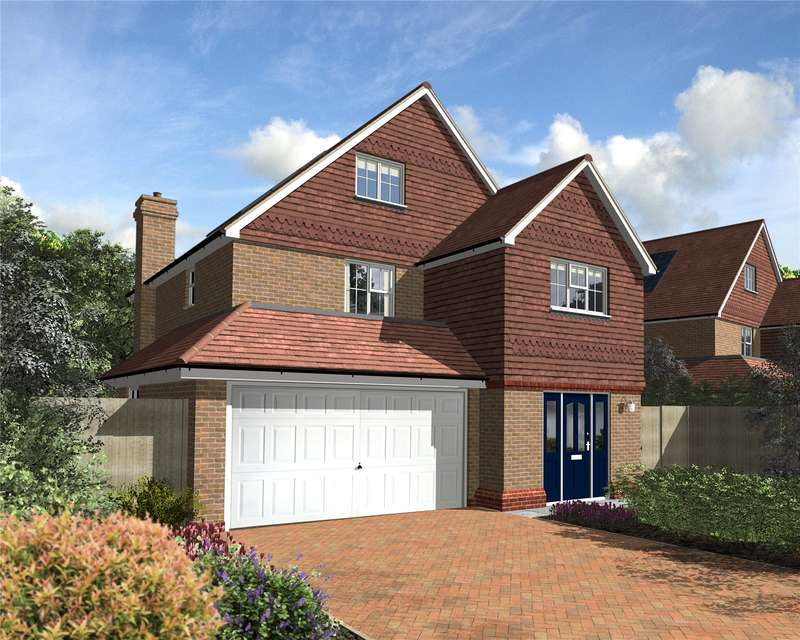 5 Bedrooms Detached House for sale in Harestone Hill, Caterham, Surrey, CR3
