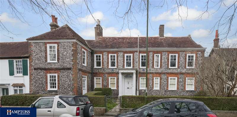 8 Bedrooms Semi Detached House for sale in The Green, Southwick, Brighton, West Sussex, BN42