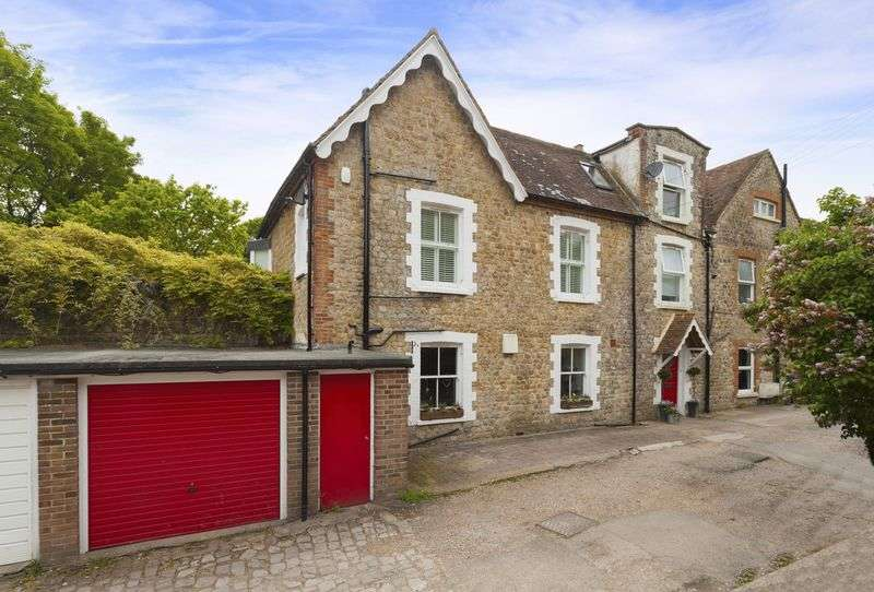 4 Bedrooms Terraced House for sale in Seabrook Hythe