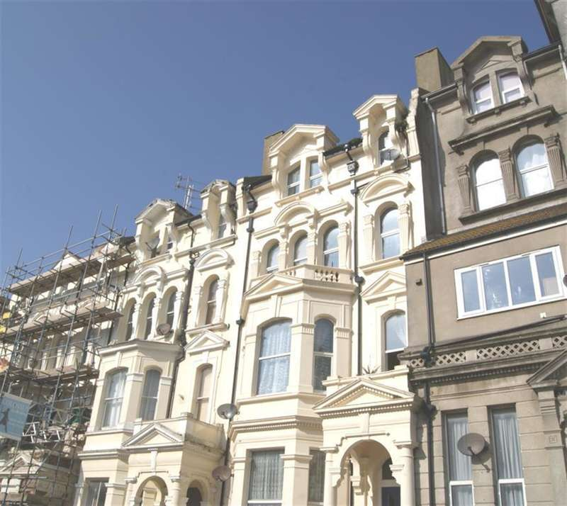 2 Bedrooms Flat for sale in Warrior Gardens, St Leonards On Sea, East Sussex, TN37 6EB