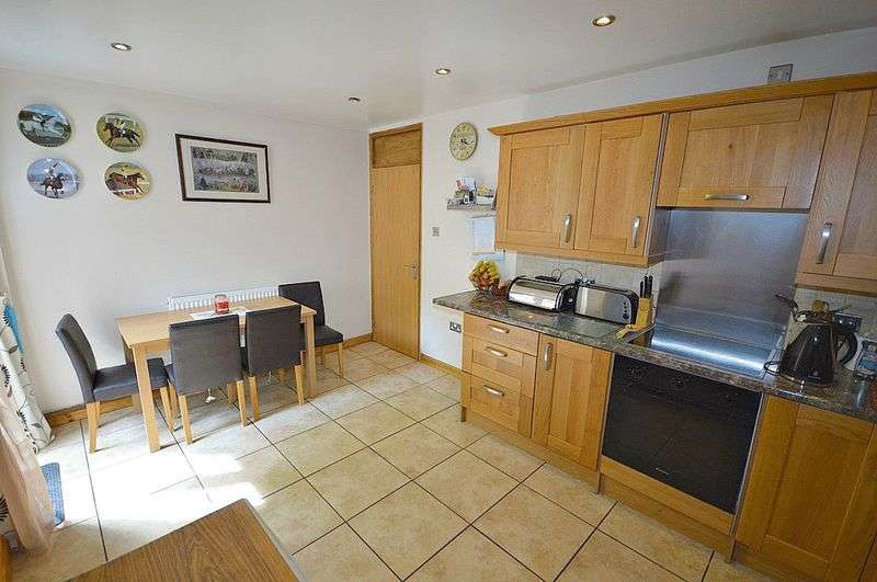 4 Bedrooms Terraced House for sale in Stour Court, Cwmbran