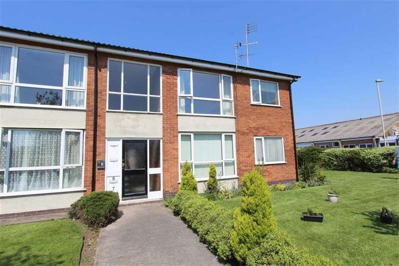 2 Bedrooms Property for sale in Everest Close, Lytham St Annes, Lancashire