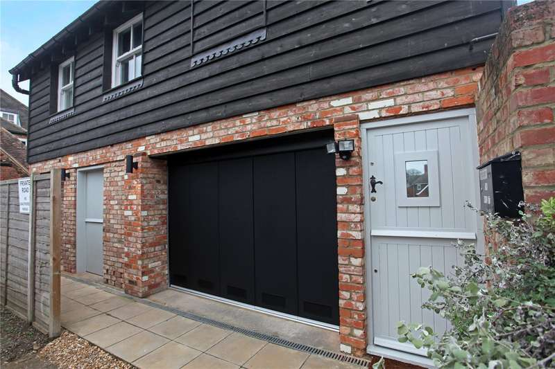 2 Bedrooms Detached House for sale in The Green, Datchet, Berkshire, SL3