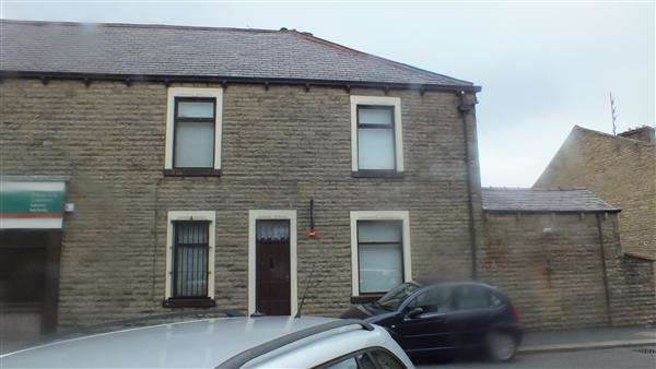 3 Bedrooms Terraced House for sale in Leeds Road, Nelson