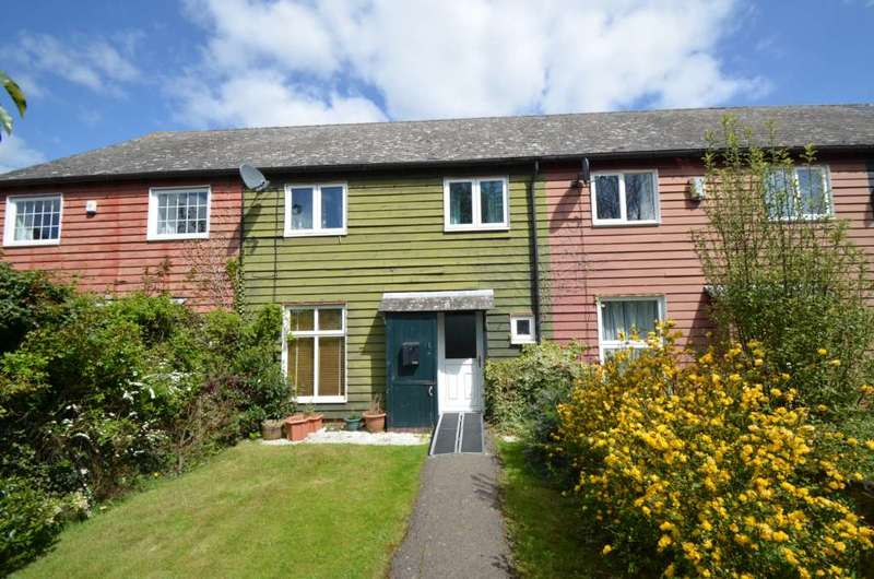3 Bedrooms Terraced House for sale in Bradwell